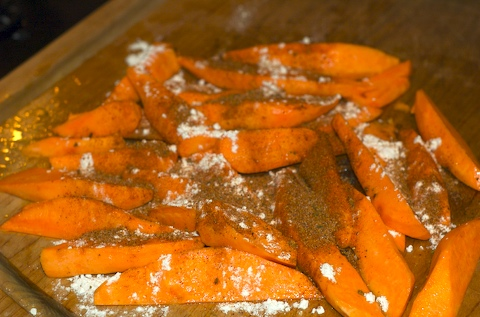 Flour and spice the potato wedges