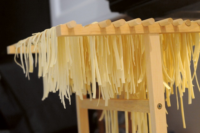 Cut the noodles and let dry