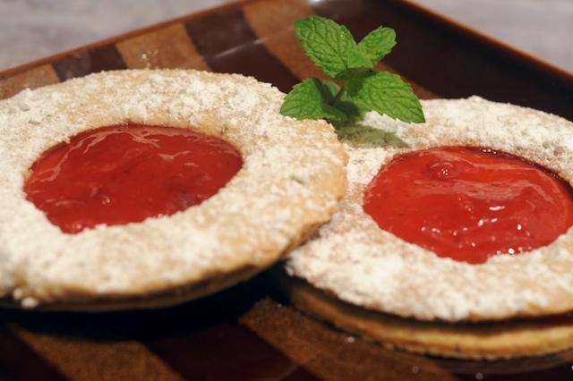 Linzer Augen (Linzer Cookies) w/Strawberry Rhubarb Jam
